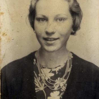 Marie Jalowicz Simon - 1944